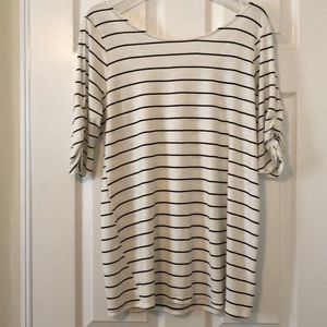 NWT Motherhood Maternity Top - size large